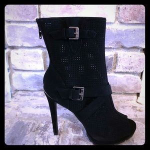 Brand New Juicy Couture Peep-Toe Boots Size 7